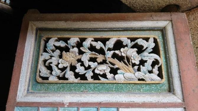 前迴向疊樓之木雕裝飾