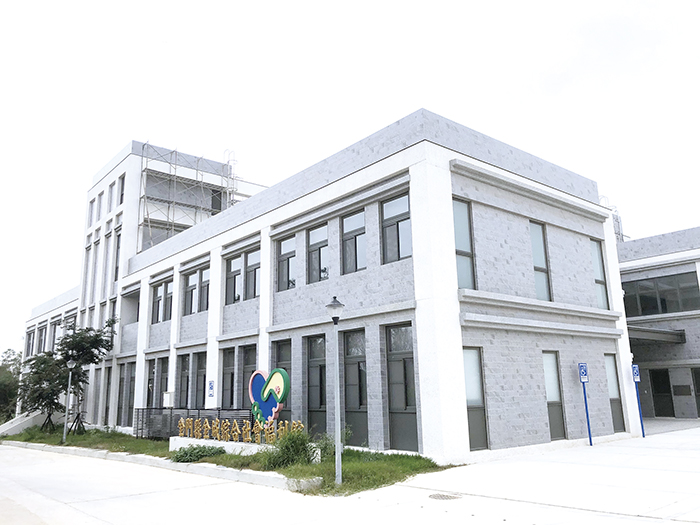 金城綜合社會福利館為多元複合式社會福利館,今年母親節前夕可望開館為鄉親提供服務。(縣府社會處提供)