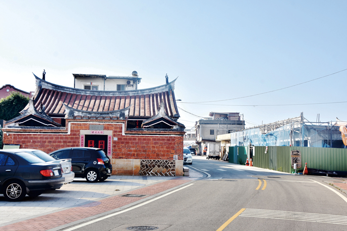 文化局整治瓊林聚落街屋,讓各時期的建築同存並陳在大家的面前,形成一個豐富歷史的區域。(詹宗翰攝)